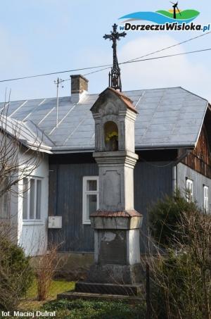 Kapliczka na ulicy Starowiejskiej w Besku
