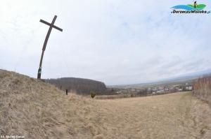 Krzyż na wzgórzu 342 m